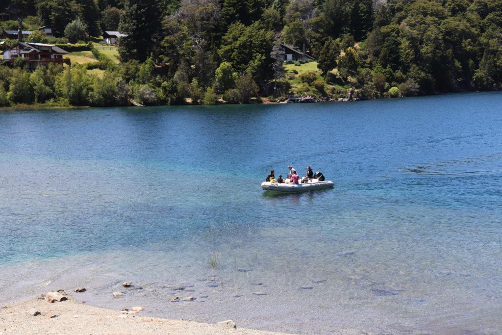 navegación en el lago