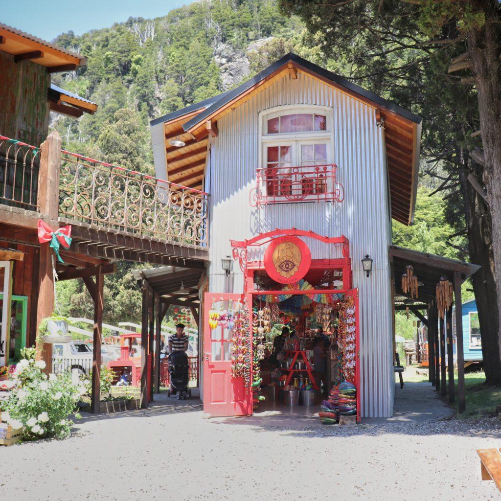 artesanias colonia suiza