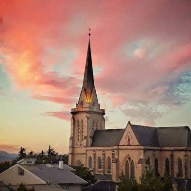 Catedral de Bariloche Nuestra señora del Nahuel Huapi es un lugar historico de bariloche para conocer