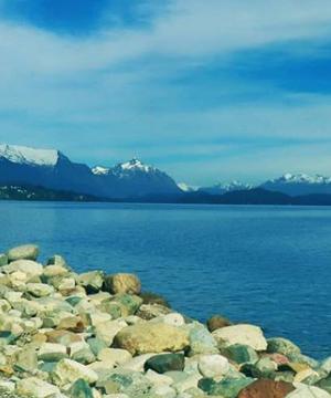 playa centenario. lago nahuel huapi