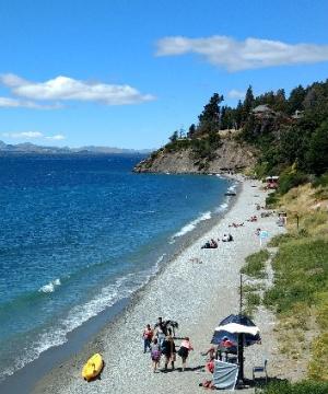 playa bonita en lago nahuel huapi