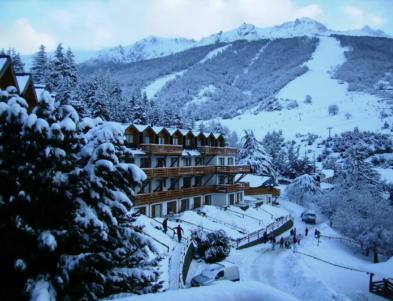 villa catedral con nieve