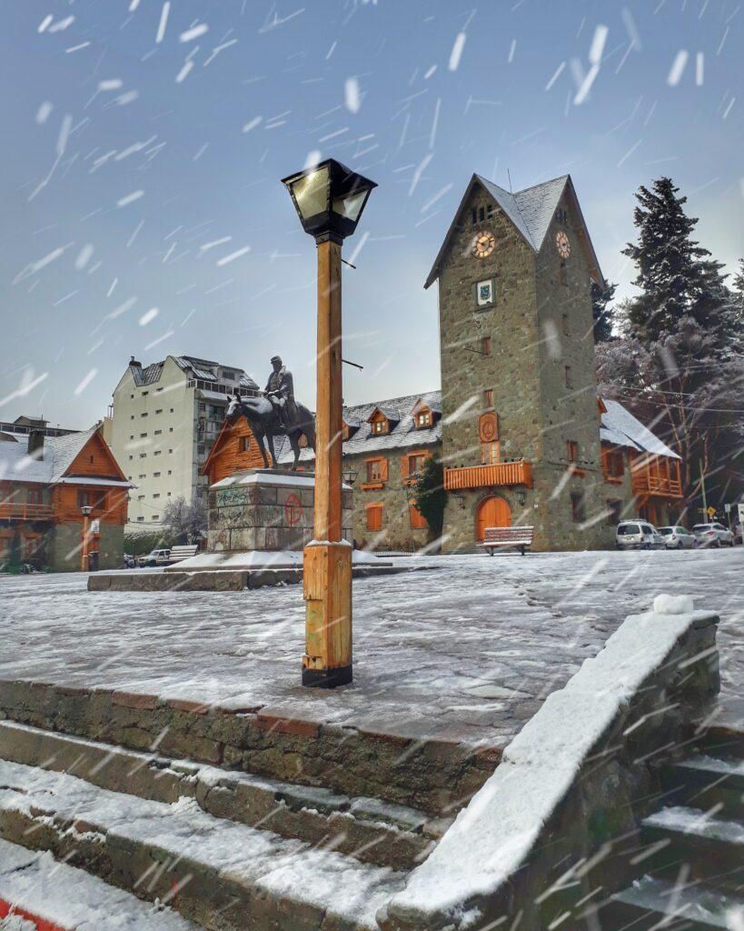 centro civico con nieve